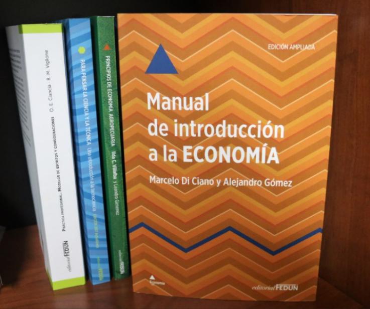 """YA ESTÁ DISPONIBLE EL LIBRO """"MANUAL DE INTRODUCCIÓN A LA ECONOMÍA"""""""