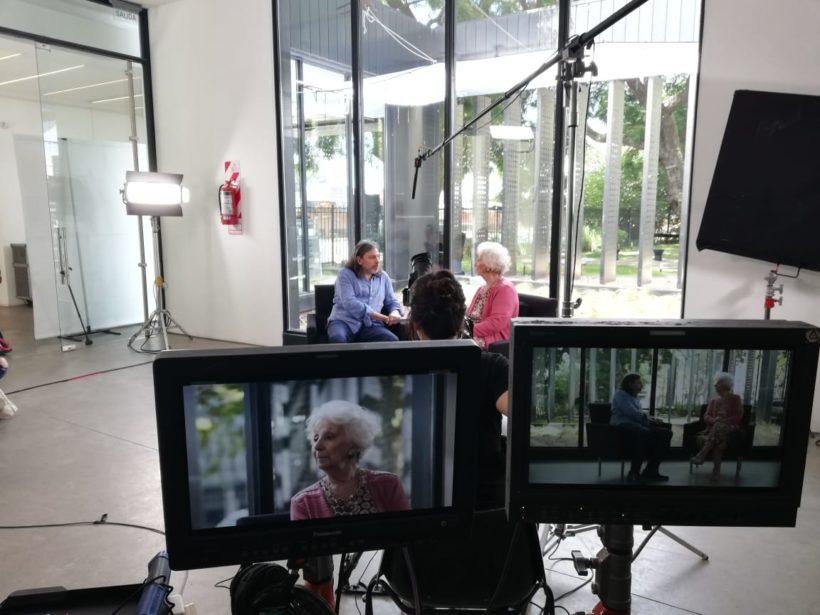 Set de filmación, Daniel Ricci y Estela de Carlotto.