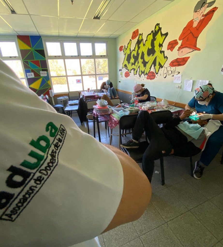 Con el apoyo de ADUBA, la FOUBA extiende el tratamiento odontológico a poblaciones vulnerables