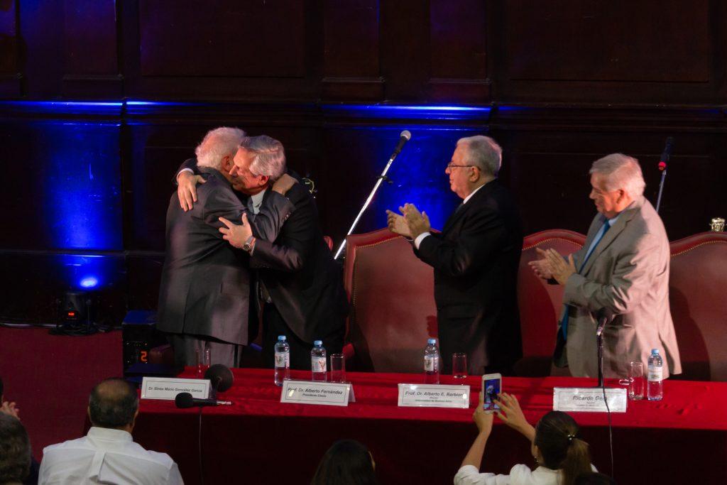 Ginés González García recibió el Doctorado Honoris Causa por la UBA