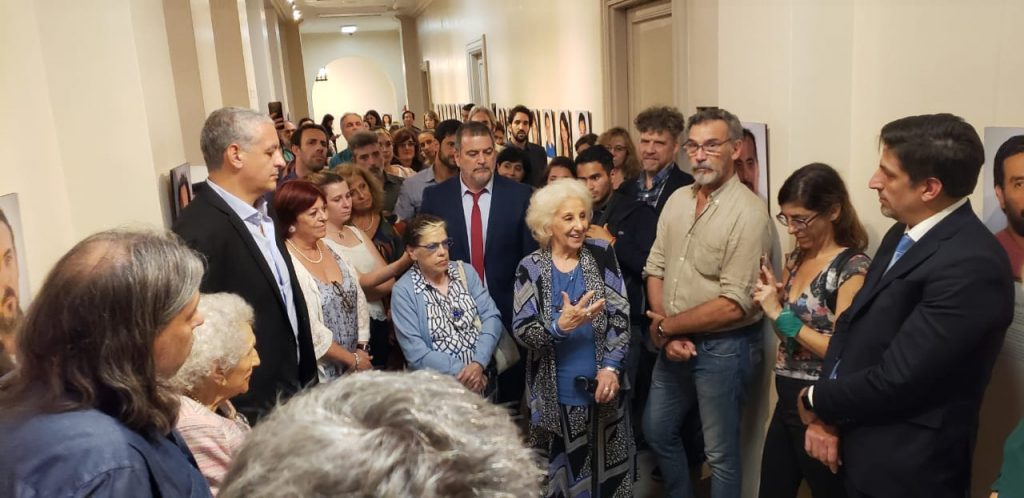 DERECHOS HUMANOS: Inauguración de la muestra de Nieto/as restituidas/os el Palacio Sarmiento