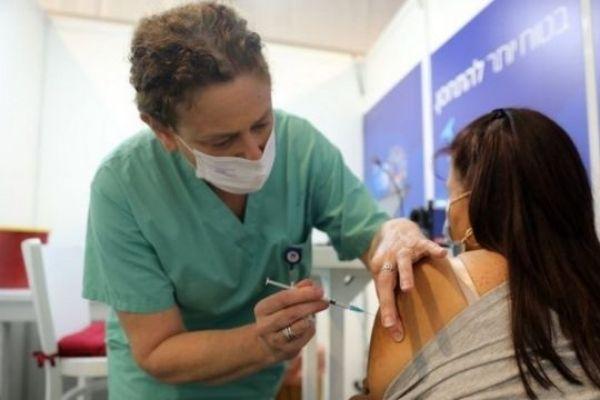 Los docentes de nivel universitario serán vacunados luego de los del primario y secundario